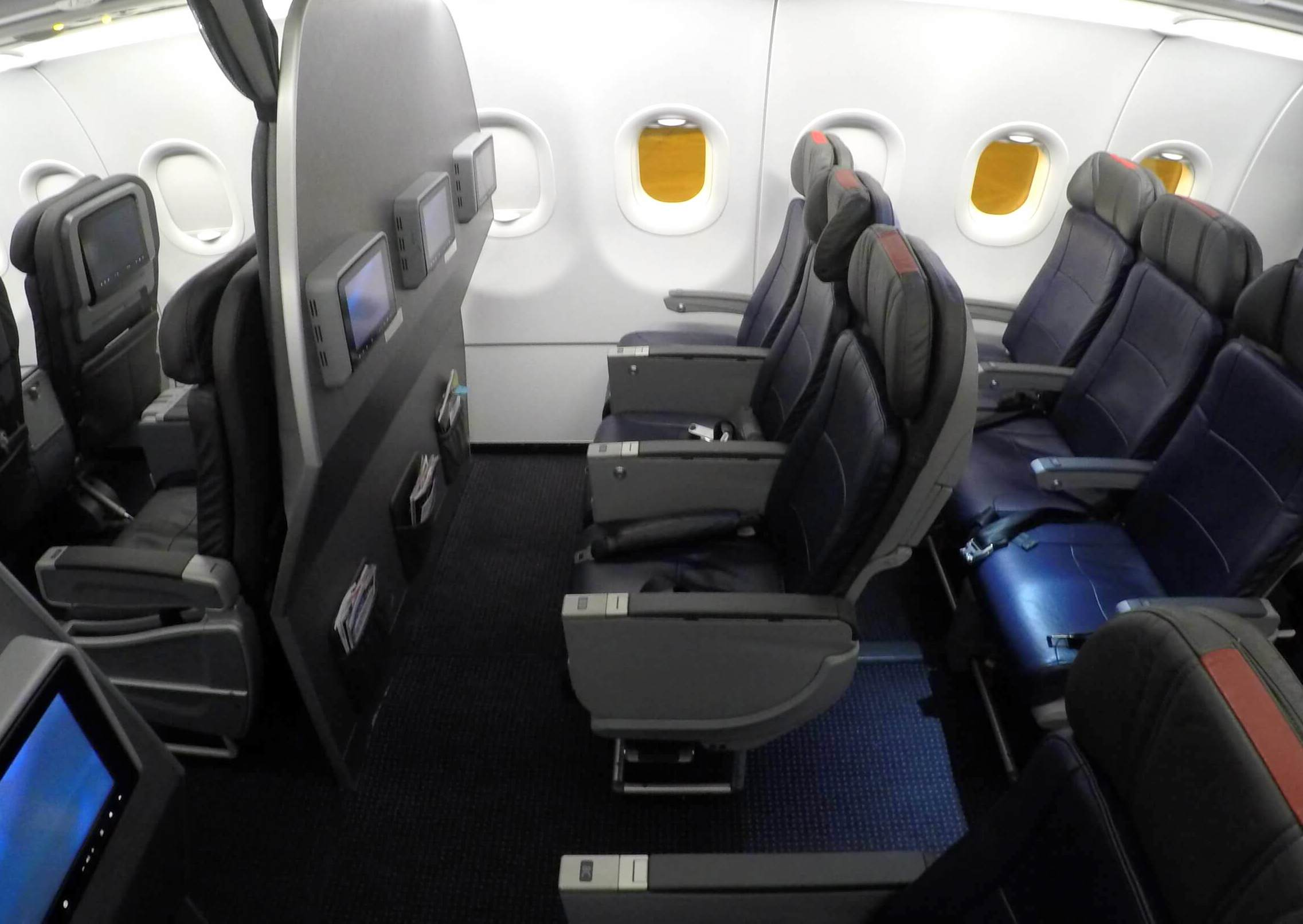 american-airlines-main-cabin-plus