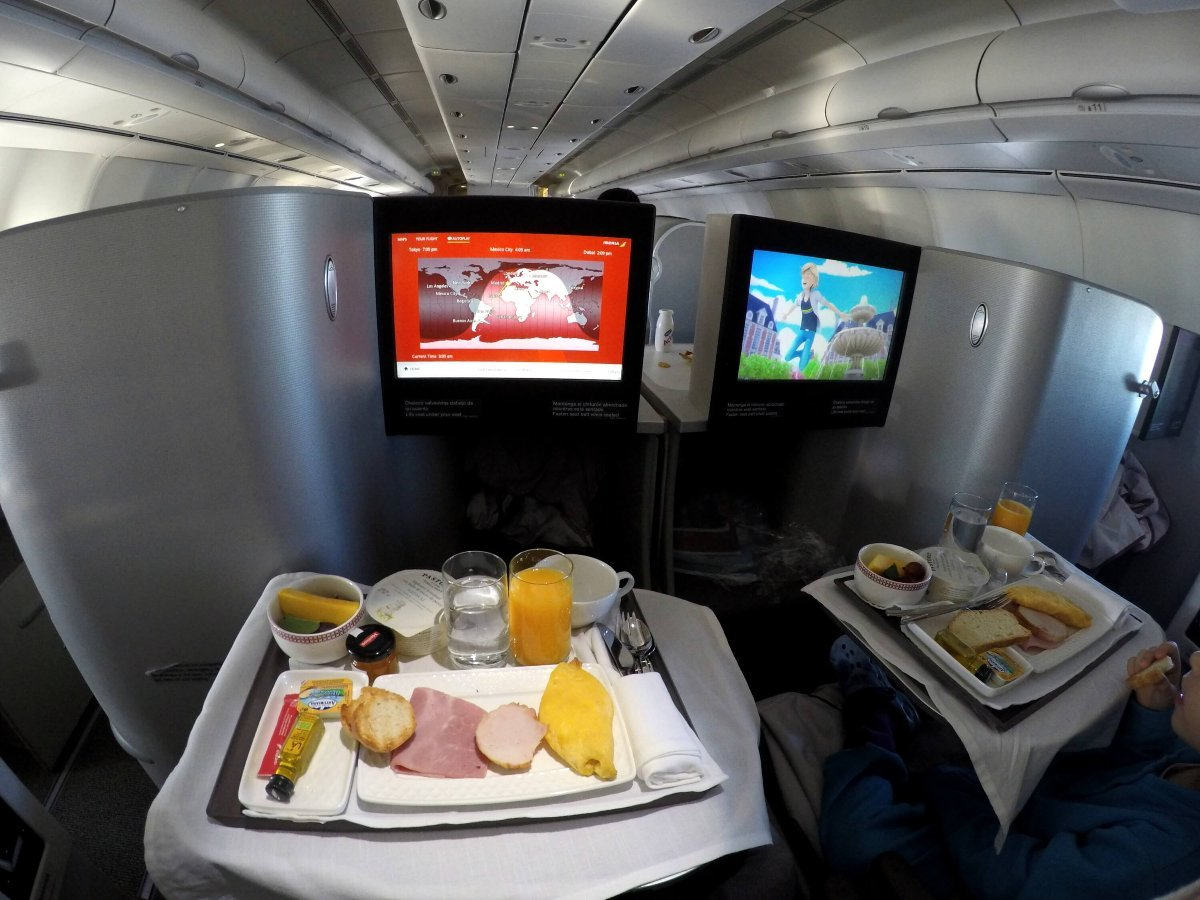 IBERIA BUSINESS CLASS A340-600, MADRID-BUENOS AIRES