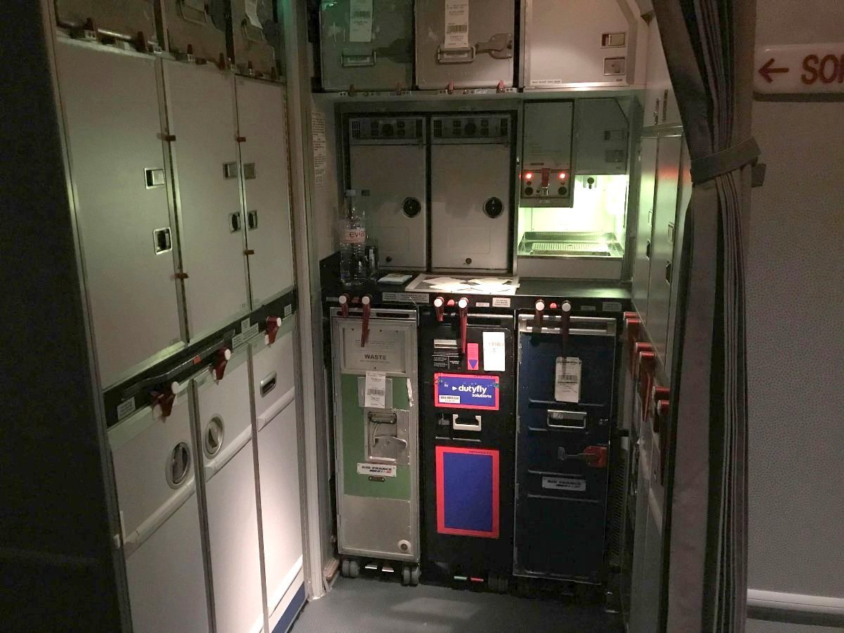 Galley delantero Air France Boeing 777-200