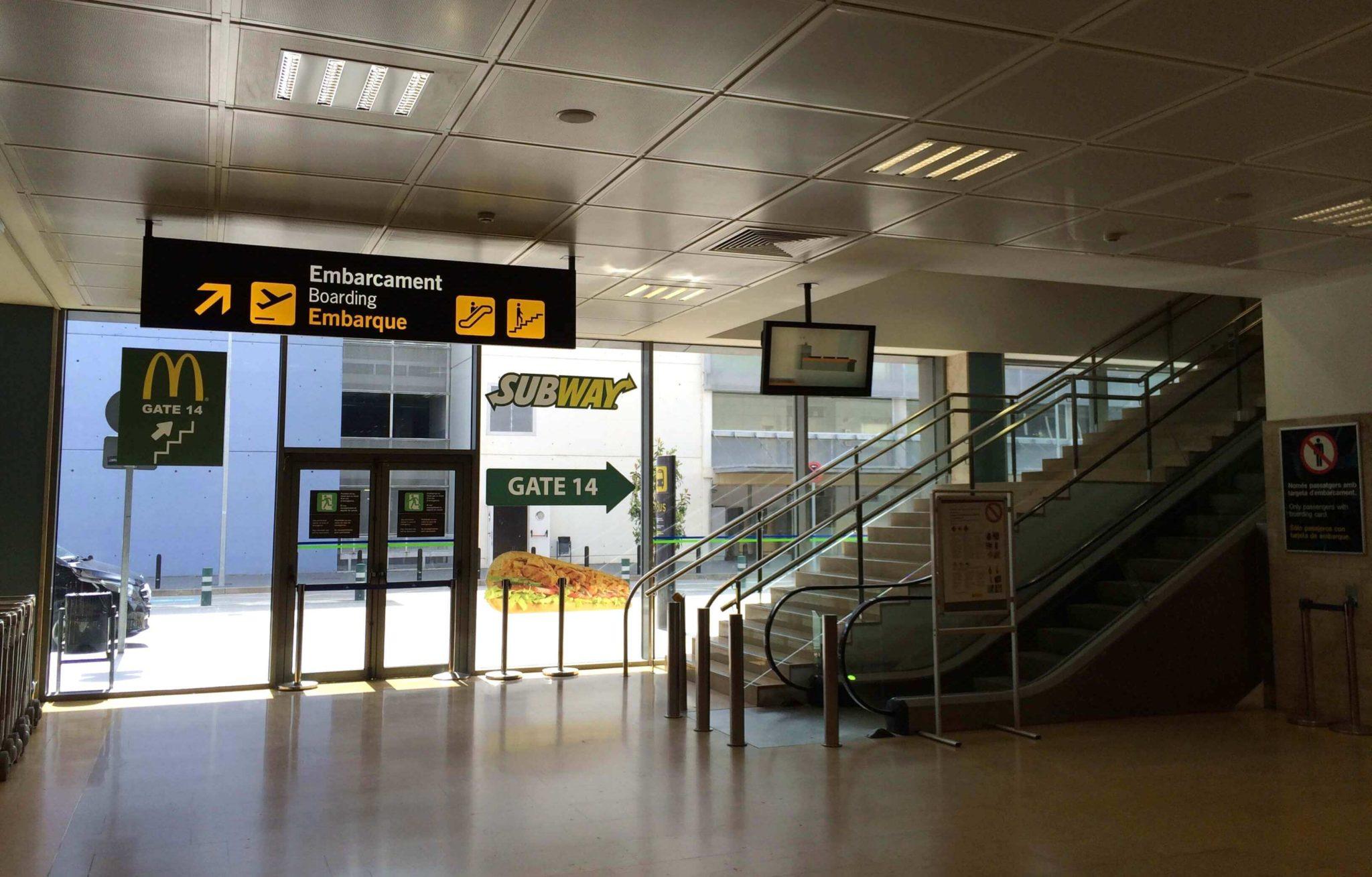 Terminal Girona, acceso al área de embarque